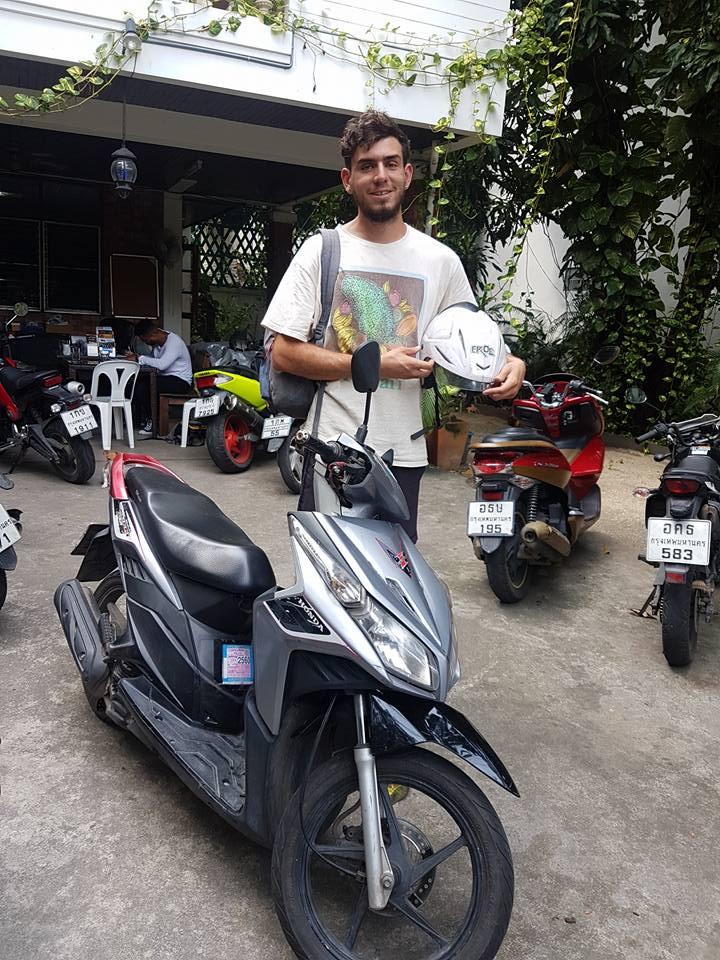 Rent Yamaha Mio