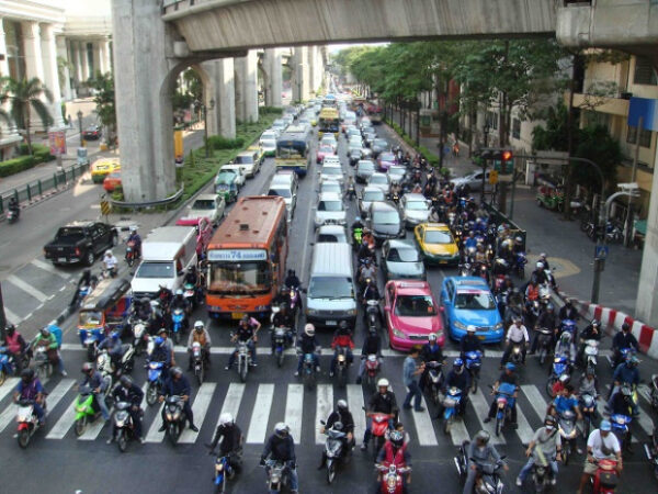 What are some of the most important things to know about traffic in Bangkok?